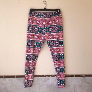 Lularoe Leggings Tall & Curvy Aztec Print Pink 🎁